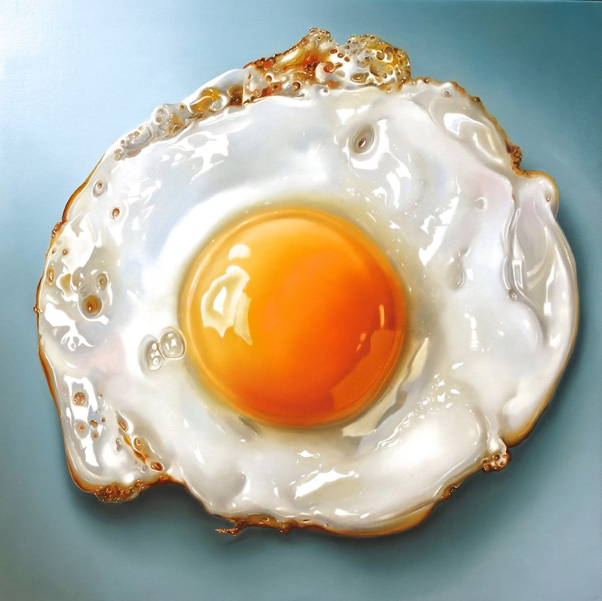 Hyperrealistic oil painting of a fried egg by Tjalf Sparnaay